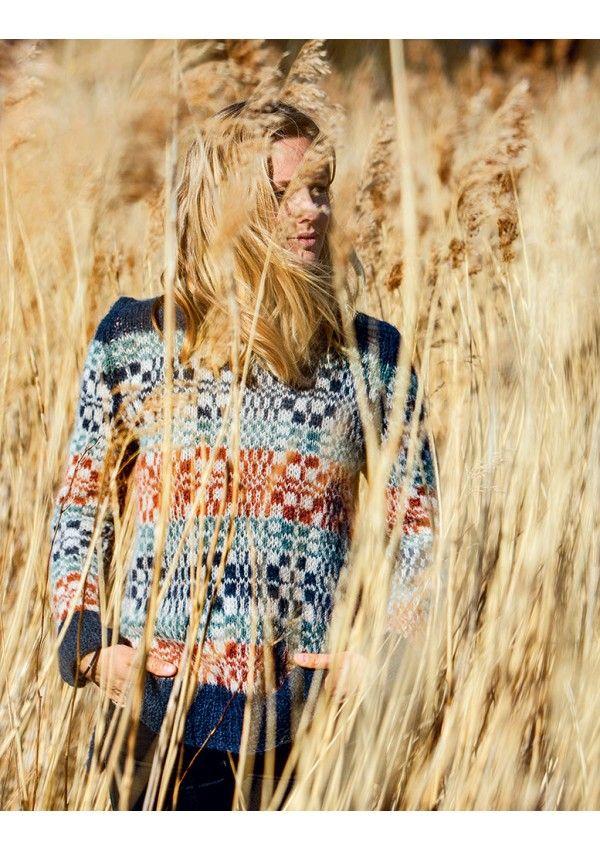 Dorthe Skappel vous révèle dans cet ouvrage de tricot, des créations actuelles, toujours féminines et douillettes.