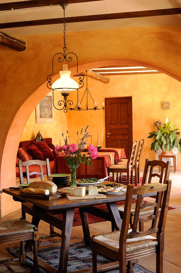 Best 25 mexican dining room ideas on pinterest mexican Spanish apartment decor