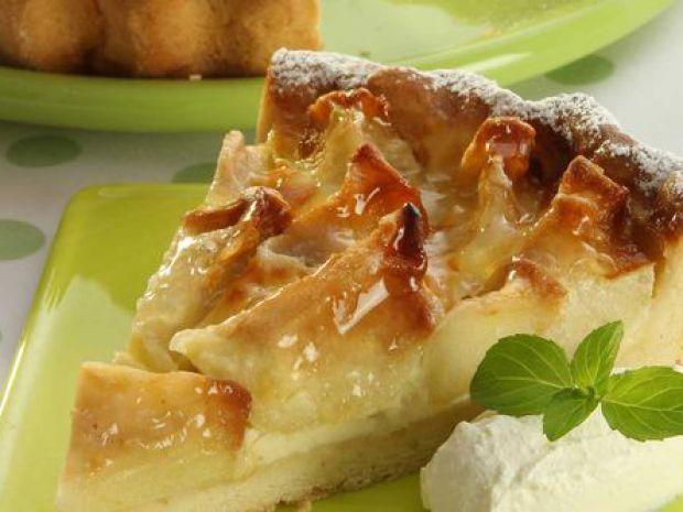 Ароматный яблочный пирог в мультиварке: рецепт простого десерта