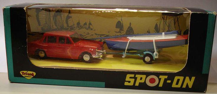 Spot On - Saloons and Sportscars Hillman Minx & Dinghy