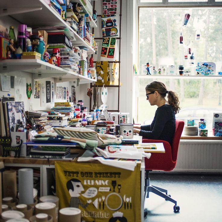 """Ingela P. Arrhenius, ilustradora. """"Soy una ilustradora de Suecia Tengo un estilo bastante ingenuo y me encanta el diseño de los años 50 y los años 60 . Este es mi lugar donde muestro mi trabajo y las cosas que me gustan"""" http://www.ingelaparrhenius.com/"""