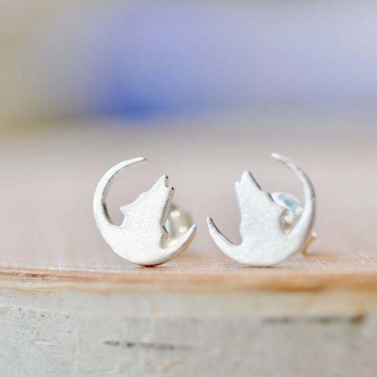 Howling Wolf Earrings!  http://etsy.me/2CzlSe7