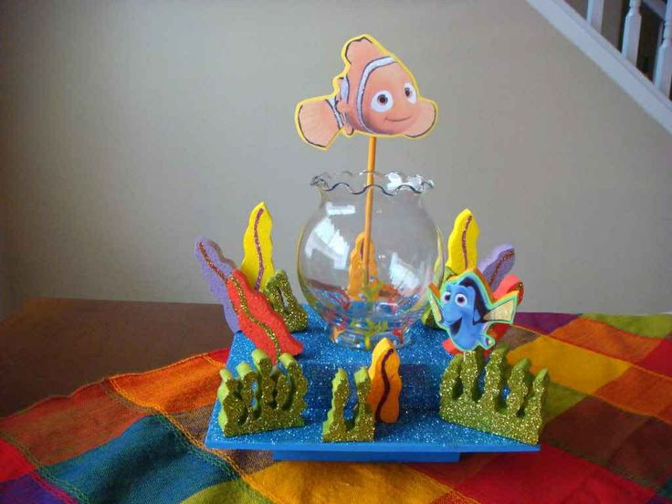 Finding nemo centerpiece finding nemo pinterest for Nemo decorations