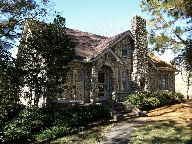 The miller rock house dallas ga built in the 1930 39 s for Cost to build a house in little rock
