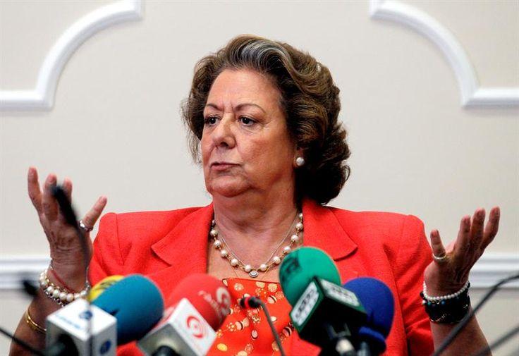 El cadáver de Rita Barberá se encuentra en estos momentos en el hotel Villa Real, donde ya ha llegado la comisión judicial :http://www.malagaes.com/nacional/el-cadaver-de-rita-barbera-se-encuentra-en-estos-momentos-en-el-hotel-villa-real-donde-ya-ha-llegado-la-comision-judicial/