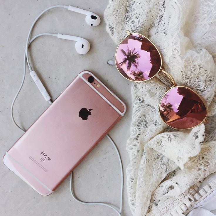 Matching your rose gold sunglasses to your rose gold iPhone. Yep!