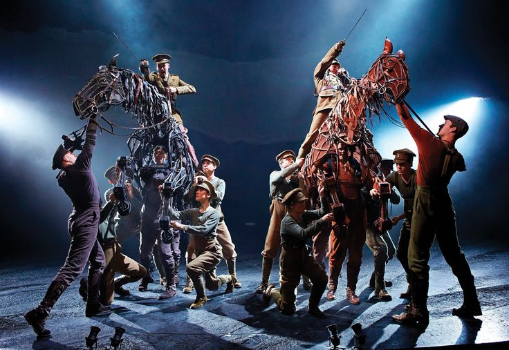 Beautiful stills from the amazing National Theatre production War Horse.