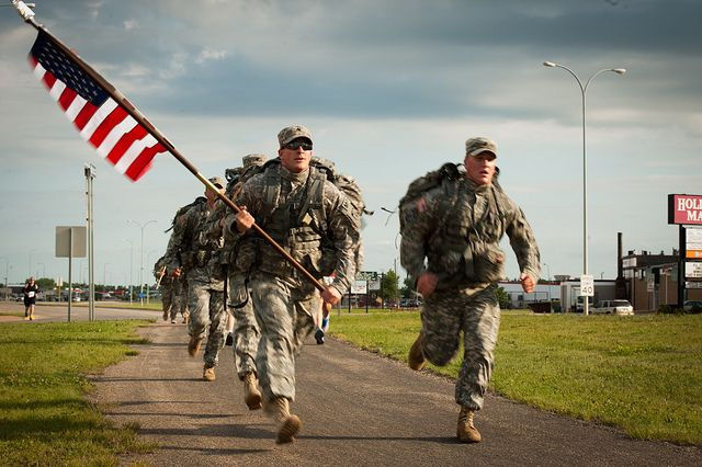 running soldier with flag - Buscar con Google