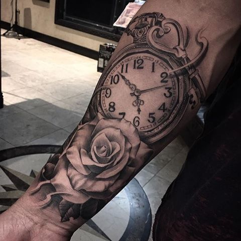 #TATTOO_LOOKS #inkoftheday by Jeffry Mendoza #blackandgreytattoo #clocktattoo #rose #rosetattoo #realistictattoo