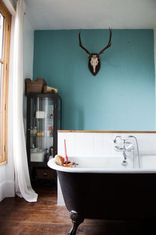 The Socialite Family | Dans la salle de bain de Guillaume et Aline. #family…
