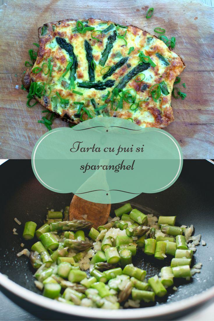 Tarta fara crusta cu pui si sparanghel - o tarta rapida si colorata, ideala pentru mic dejun, brunch sau cina. #reteterapide #retetesimple #sparanghel