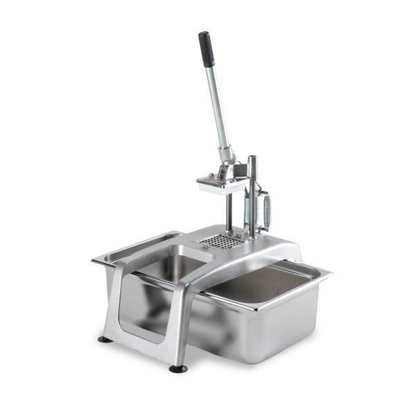 TAGLIAPATATE MANUALE 100-150 KG/H SAMMIC CF-5 CODICE: 1020061 Tagliapatate manuale per ristoranti.  Corpo in lega leggera inossidabile: leggero e resistente.Taglio pulito e uniforme, senza rotture o scarti.Spessori da 8, 10(incluso) o 12 mm. mediante l'uso di set per taglio di patate intercambiabili.Comandi e bulloneria in acciaio inossidabile.La pressa elimina le patate tagliate liberando completamente il filtro.La leva allungata assicura un ottimo rendimento a parità di ...
