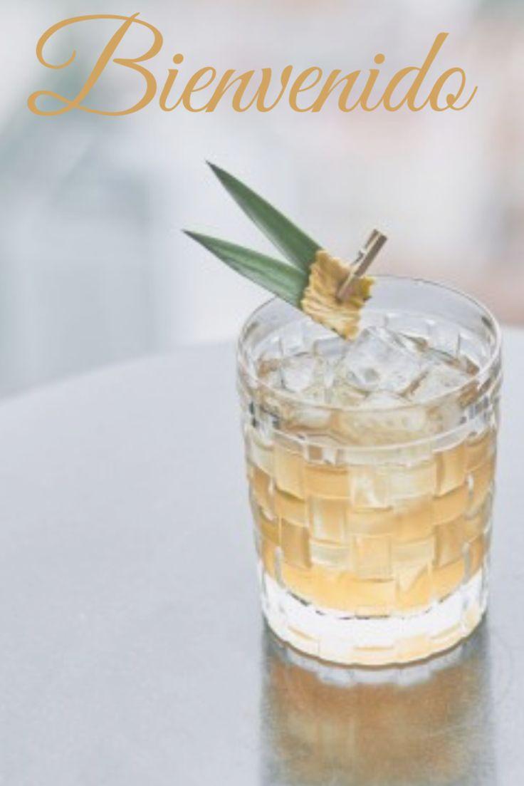 Dieser Cocktail ist wie ein altmodischer Cocktail mit einer Tiki-Note. In diesem Sommer wird … – whiskey drink