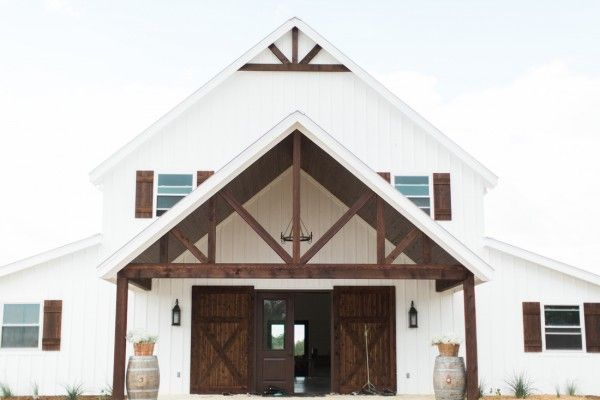 Five Oaks Farm - a beautiful vintage-inspired wedding venue from Cleburne, Texas. Situated on hills overlooking the Brazos River Valley,