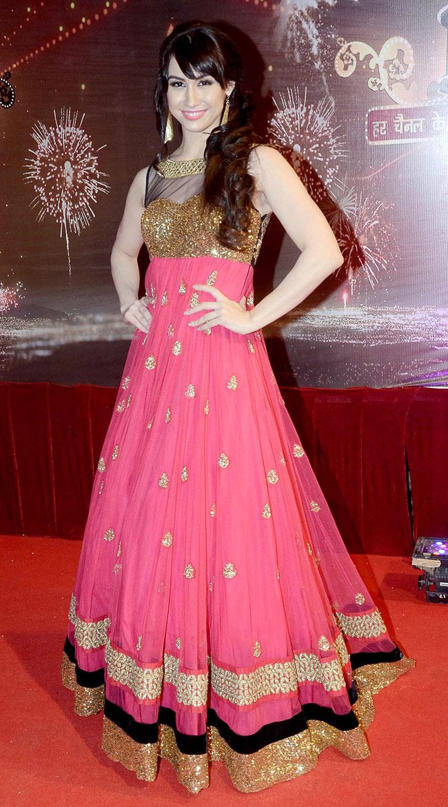In gorgeous Anarkali American - Bollywood Dancer, Actor Lauren Gottlieb poses on the red carpet of Indian TV Awards (Oct) 2013.
