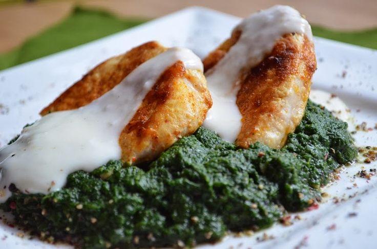 Taste me! Eat me!: Indyk sauté w cytrynowym sosie na szpinakowym puré...