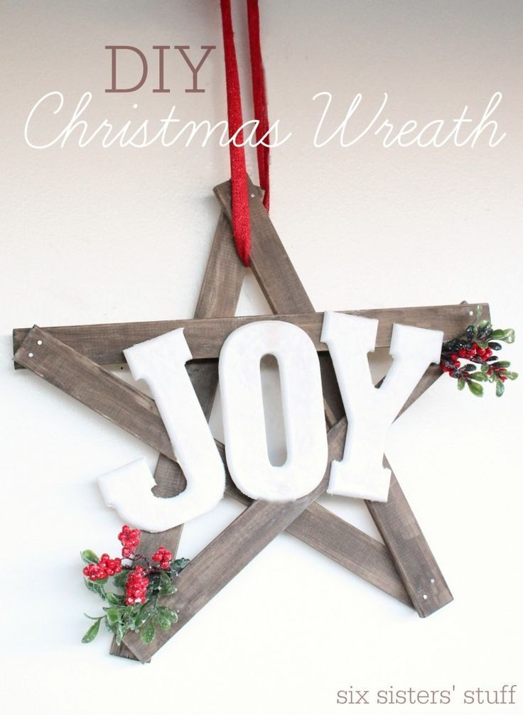 DIY Woodworking Ideas Easy DIY Christmas Wreath - made for less than $15 and under an hour!#diyproject...