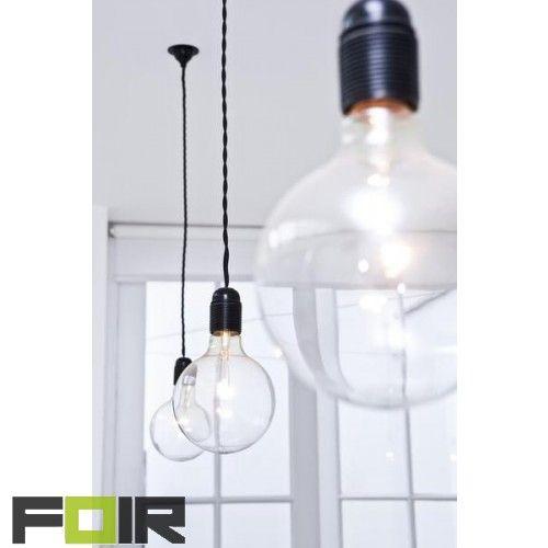 "FOIR.nl | 4W grote globe ledlamp ""Mega Edison"" lamp http://foir.nl/industriele-gloeilampen/design-gloeilampen-e27/4w-dimbare-led-e27-mega-edison-bulb.html"