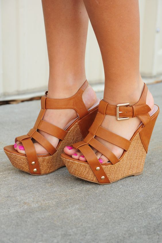 30 Chic Fall Shoes & Outfit Ideas - Street Style Look.