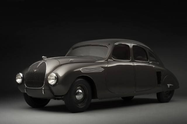 Completely restored. So we have seen in the past schloss bensberg classics held near colony, in Germany, the concept skoda 935, just 80 years after its premiere of spectacular bensberg.