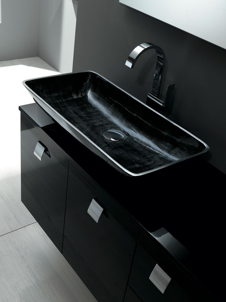 Sink detail black