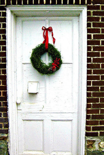 Moss covered wreath. Reuse for other holidays.: Holiday, Bag, Berry Embellishment, Foam Wreath