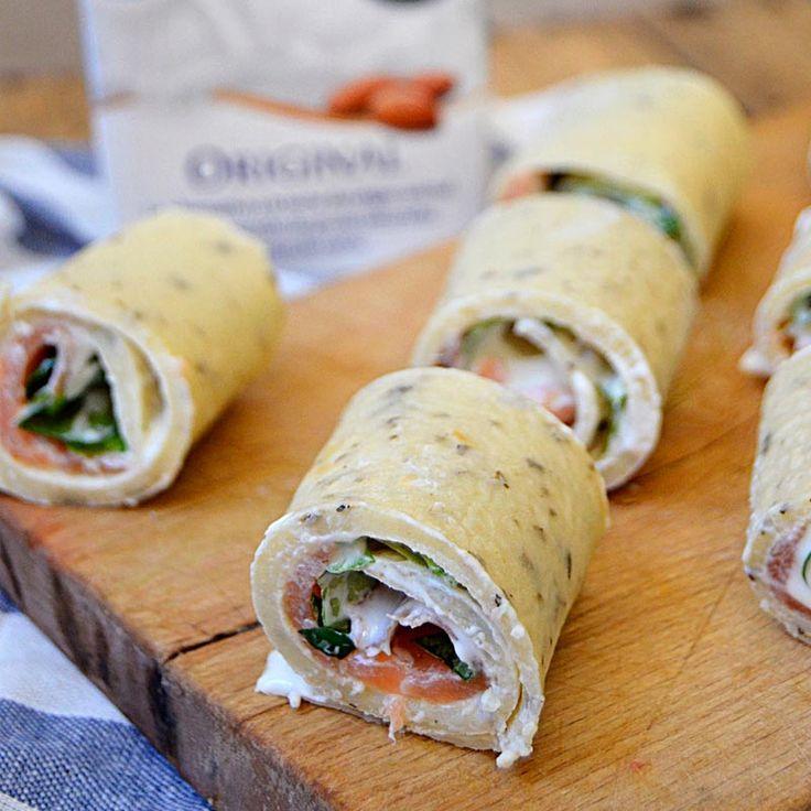 Tortillas de harina con salmón ahumado, queso crema y rúcula elaboradas con bebida de almendras Almond Breeze