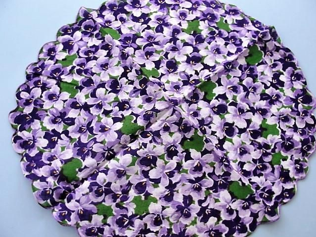 RARE Round Printed Vintage Handkerchief HankyColorful VIOLETS Hankie For Hankies Collection