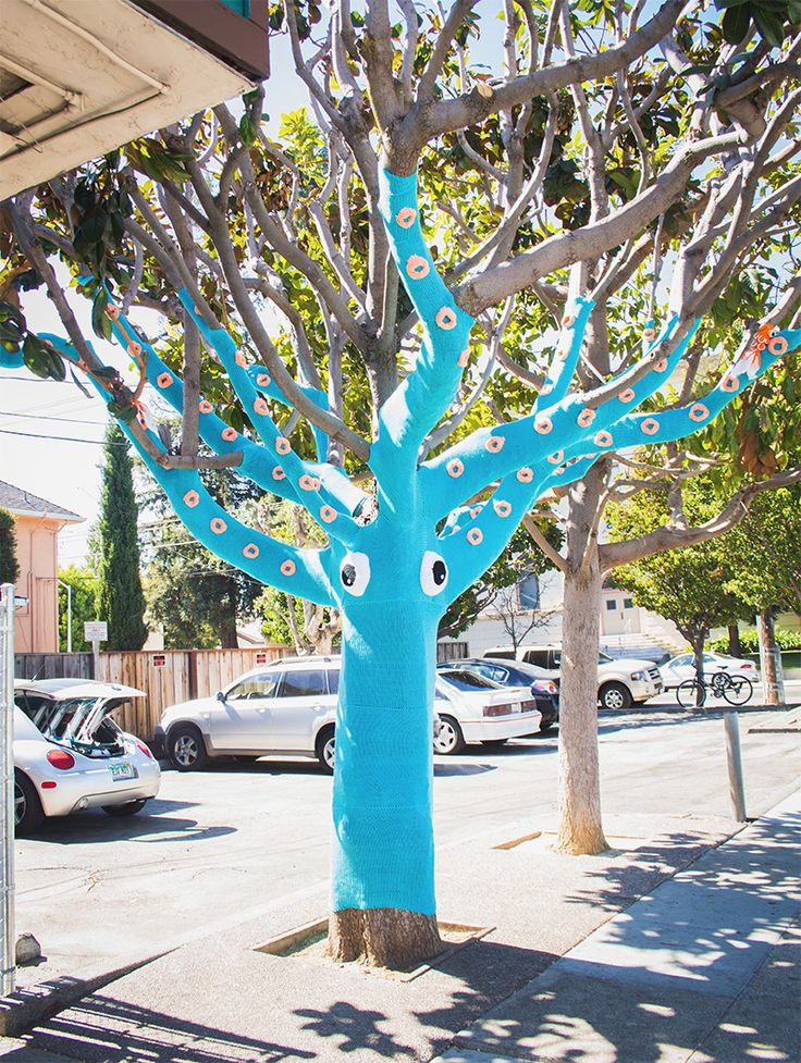 A Yarn Bombed Tree Squid yarn bombing trees textiles @Nicte Hunt Hunt Hunt Creative Design