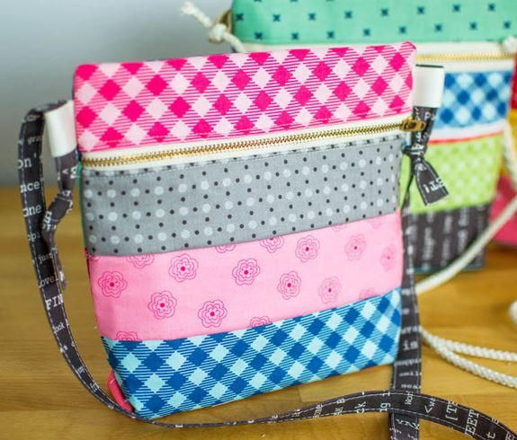 DIY Cross Body Zipper Tote | Make a simple and sophisticated cross body bag with this tutorial!