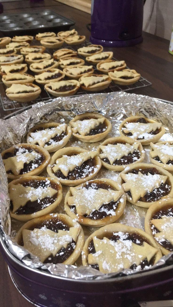 Homemade mince pies! #festiveaf [OS] [900x1600]