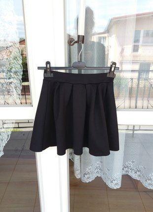 Kup mój przedmiot na #vintedpl http://www.vinted.pl/damska-odziez/spodnice/18428939-spodniczka-bershka-w-kolorze-czarnym-wideo-videoopen