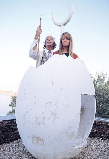 Salvador Dali and French singer/actress Françoise Hardy