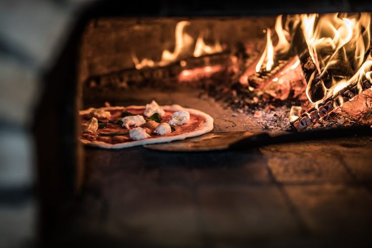 5 kérdés - Kemencés Pizza - Dining Guide