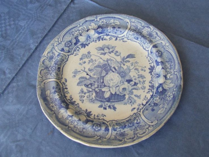 Early 19thc Blue Amp White Pearlware Tea Plate With Flower Basket Pattern This Is Tiny But Lovely Purchase 2 Blue White Blue Antique Pottery