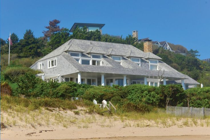 Bernie Madoff's former Montauk estate lists for $21M ...