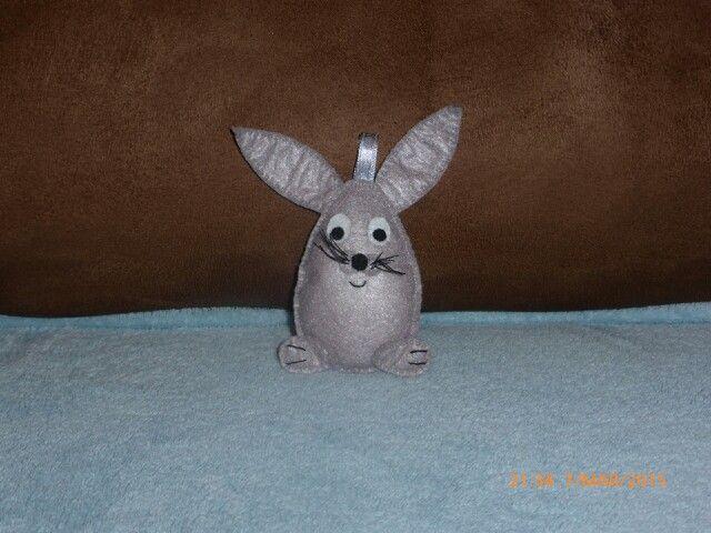 Zajaczek wielkanocny z filcu - zawieszka