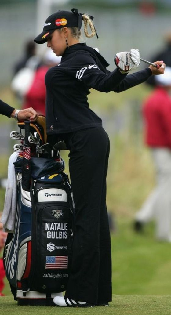 How to do golf style right. Golf pro Natalie Gulbis.