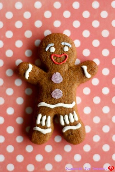 "Yes, that's right: ""Gingy""-bread Men. Anyone here like Shrek ? Well, my favorite Shrek character happens to be Gingy! So I thought that this..."