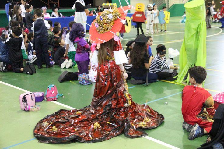 Vestido La Catrina  Material reciclado Inspirado en pelicula El libro de la Vida