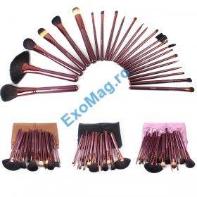 Trusa 24 pensule machiaj profesionale din par natural Megaga - http://exomag.ro/pensule-machiaj-profesionale-makeup/trusa-24-pensule-pentru-machiaj-megaga-professional-high-quality-par-natural-gentuta.html