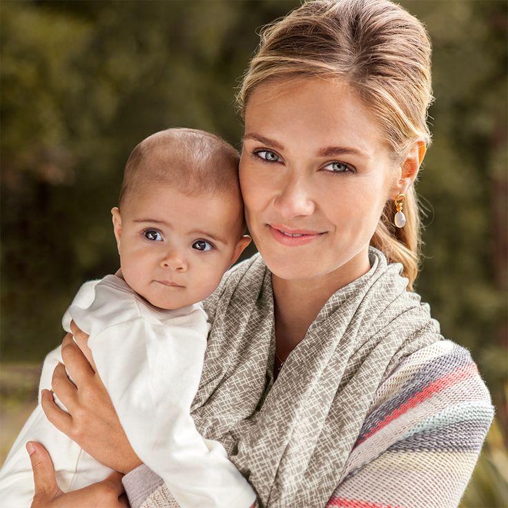lexington nursing scarf by bebe au lait 2-in-1 infinity breastfeeding scarf