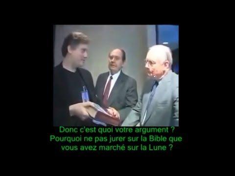 Quand Neil Armstrong refusait de jurer sur la bible qu'il a marché sur la lune!!! A VOIR - YouTube