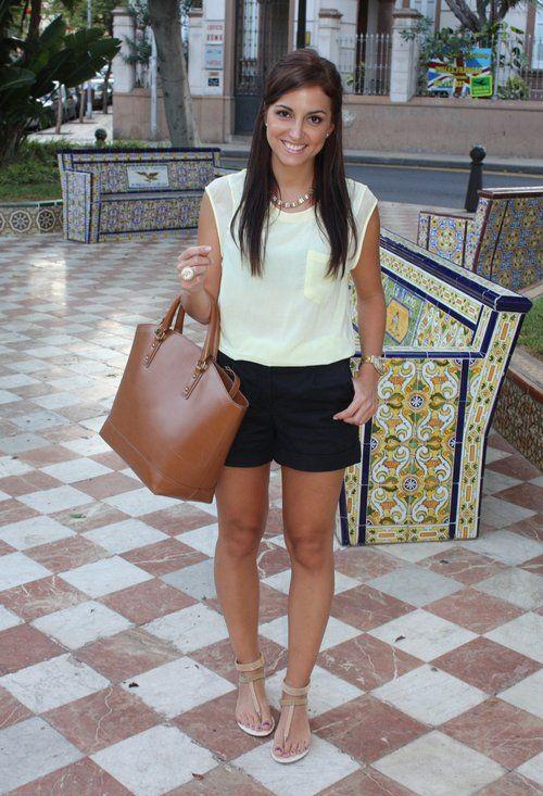 Sweet Yellow  , Troen en Otras joyas / Bisutería, Oysho en Camisas / Blusas, H en Pantalones cortos, Blanco en Zapato plano, Zara en Bolsos