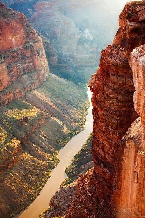 Grand Canyon National Park, Arizona, USA http://fotoarte.vocerealmentesabia.com/2014/01/parque-nacional-do-grand-canyon-arizona.html