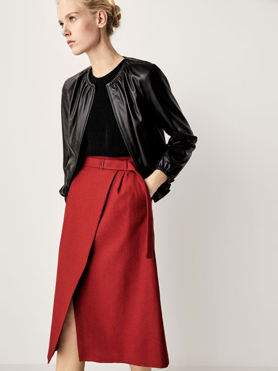 Women´s Skirts at Massimo Dutti online. Enter now and view our spring summer 2017 Skirts collection. Effortless elegance!