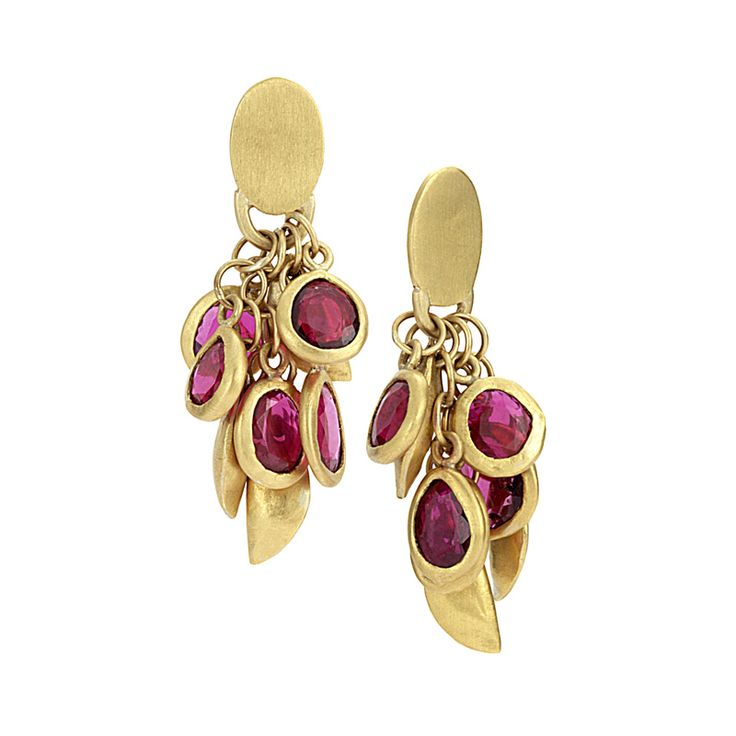 DEEP PINK SAPPHIRE GRAPPOLO EARRINGS    24K gold with red sapphires