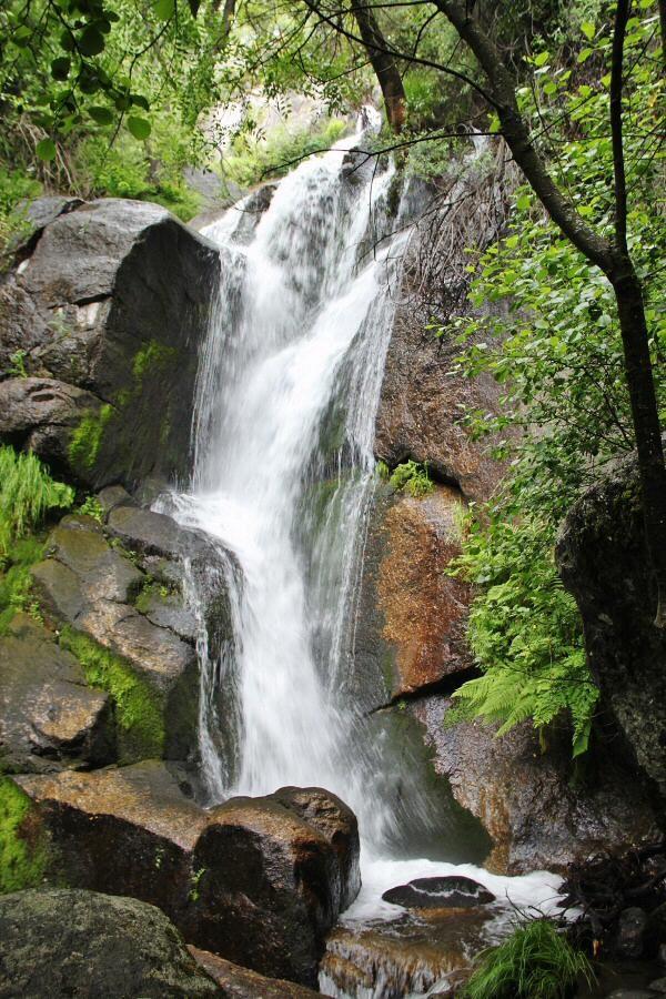http://guias-viajar.com/ Senderismo en el Valle del Jerte por la Garganta de las Nogaledas