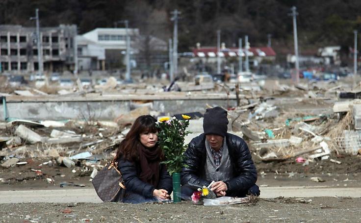 Um ano depois, as marcas do tsunami permanecem.