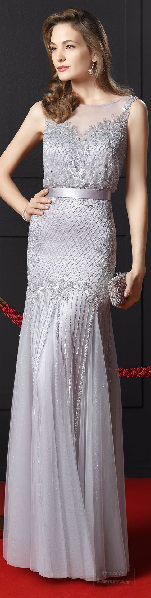 Rosa Clará ~ Romantic Silver Gown w Embroidery+ Lace 2015.